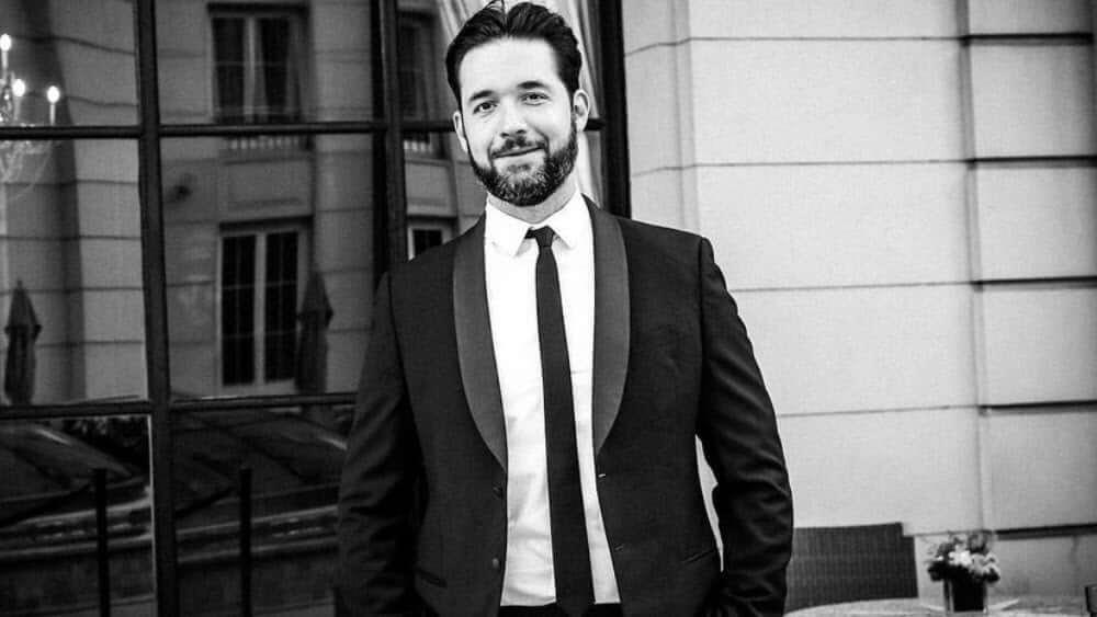 Armenian Men - Meeting, Dating, and More (LOTS of Pics) 23