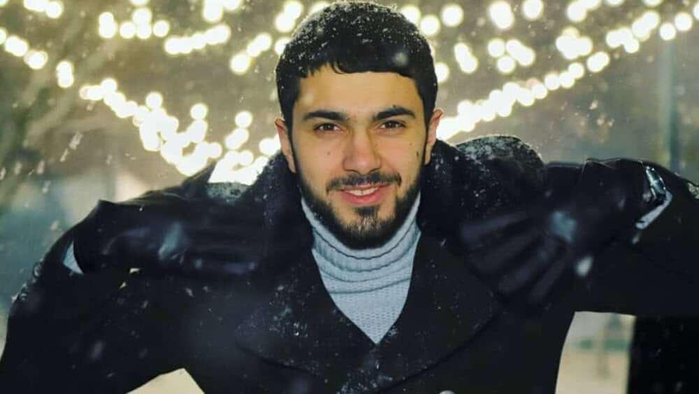 Armenian Men - Meeting, Dating, and More (LOTS of Pics) 18