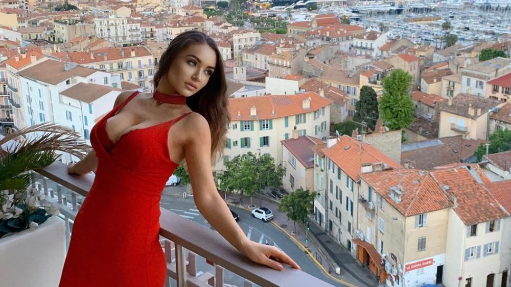 French Women - Meeting, Dating, and More (LOTS of Pics) 52