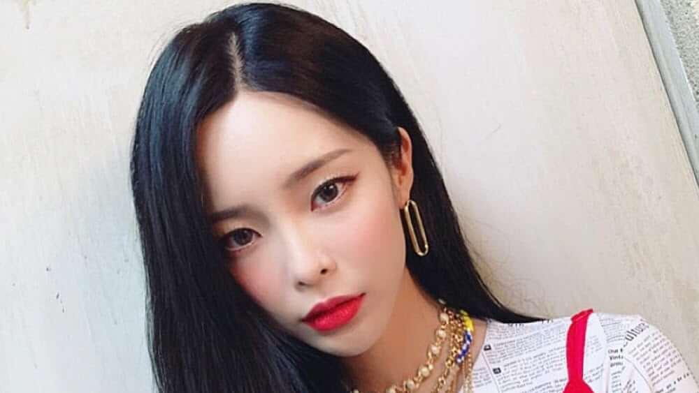Korean Women – Meeting, Dating, and More (LOTS of Pics) 56