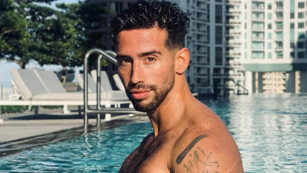 Canadian Men – Meeting, Dating, and More (LOTS of Pics) 40