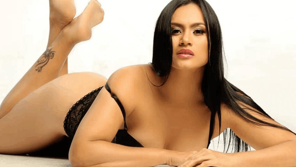 Ecuadorian Women: Meeting, Dating, and More (LOTS of Pics) 11