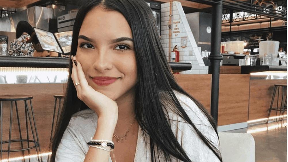 Ecuadorian Women: Meeting, Dating, and More (LOTS of Pics) 14