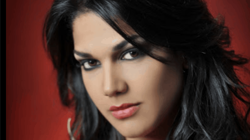 Ecuadorian Women: Meeting, Dating, and More (LOTS of Pics) 39