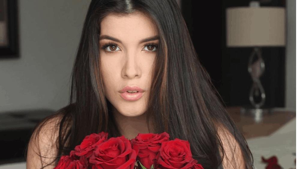 Ecuadorian Women: Meeting, Dating, and More (LOTS of Pics) 41