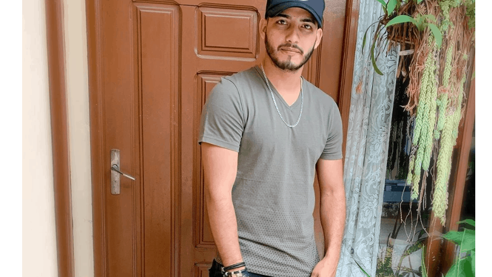 Bolivian Men - Meeting, Dating, and More (LOTS of Pics) 17