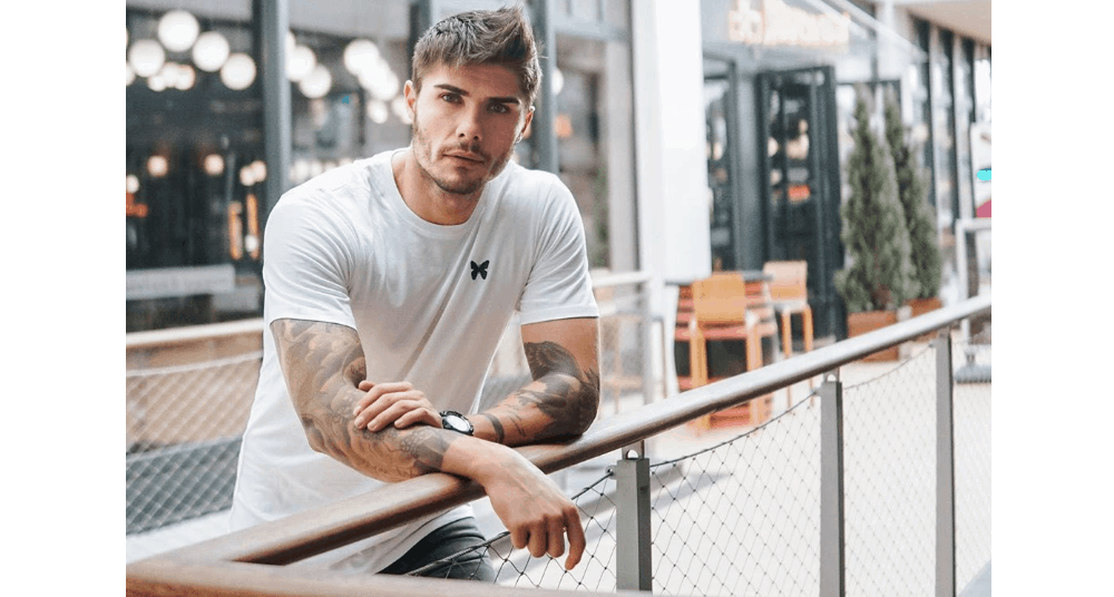 Canadian Men – Meeting, Dating, and More (LOTS of Pics) 39