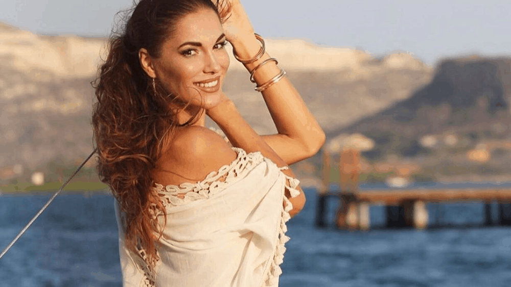Hungarian Women: Meeting, Dating, and More (LOTS of Pics) 13