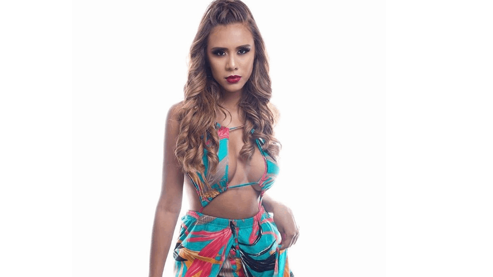 Bolivian Women: Meeting, Dating, and More (LOTS of Pics) 12