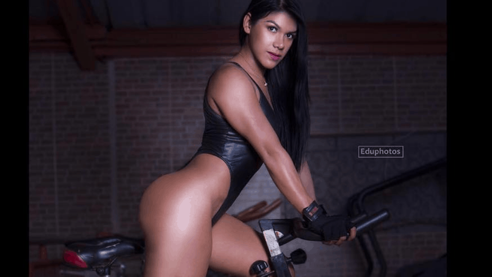 Ecuadorian Women: Meeting, Dating, and More (LOTS of Pics) 19