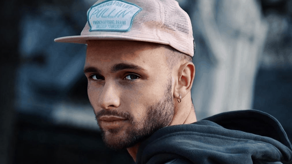 Canadian Men – Meeting, Dating, and More (LOTS of Pics) 56