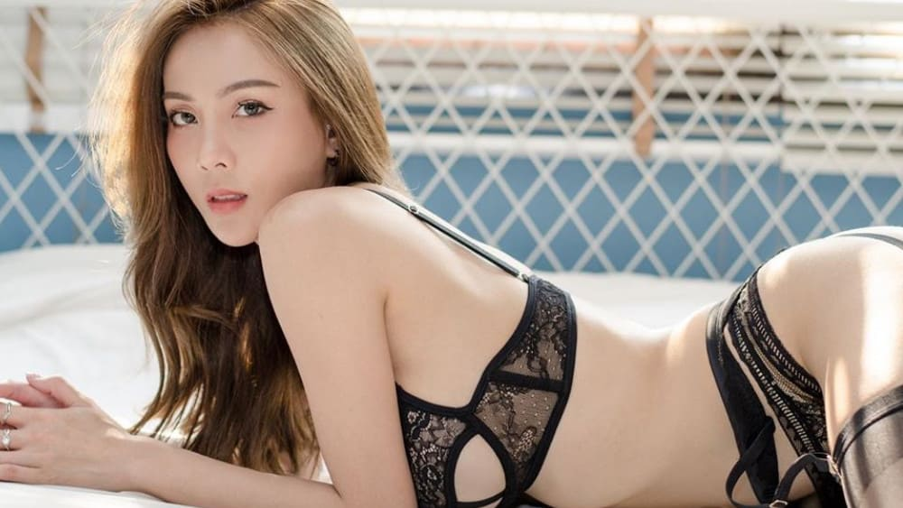 Thai Women: Meeting, Dating, and More (LOTS of Pics) 9