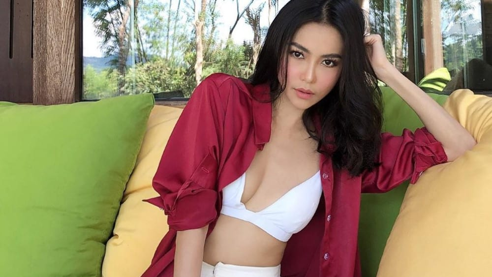 Thai Women: Meeting, Dating, and More (LOTS of Pics) 10