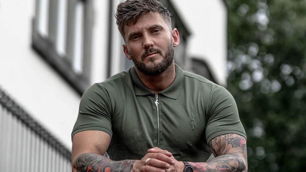 British Men- Meeting, Dating, and More (LOTS of Pics) 3