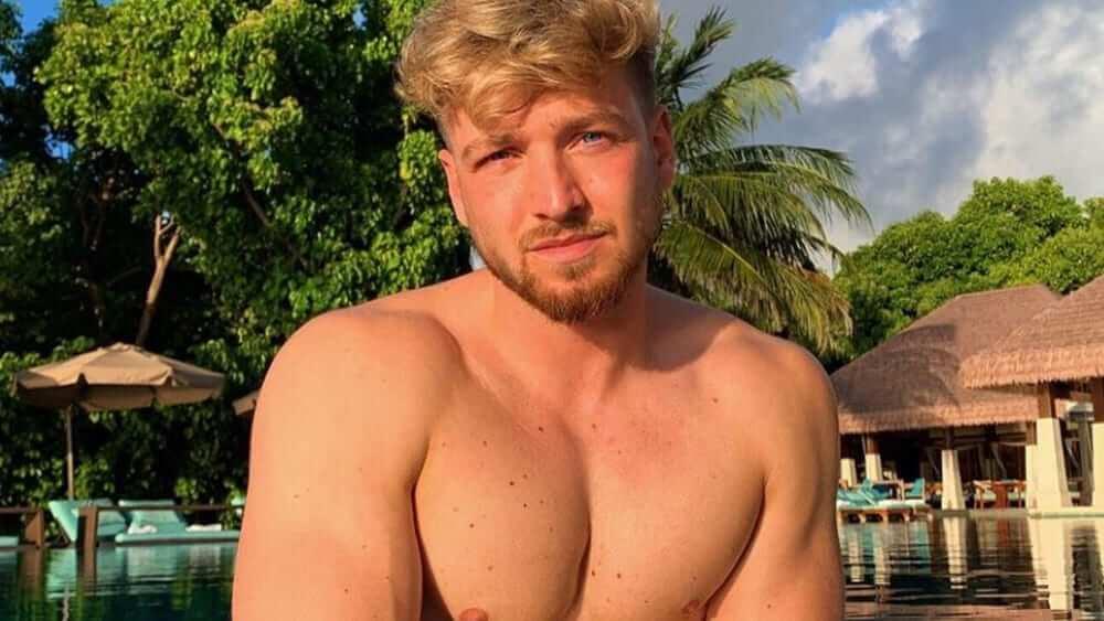 British Men- Meeting, Dating, and More (LOTS of Pics) 38