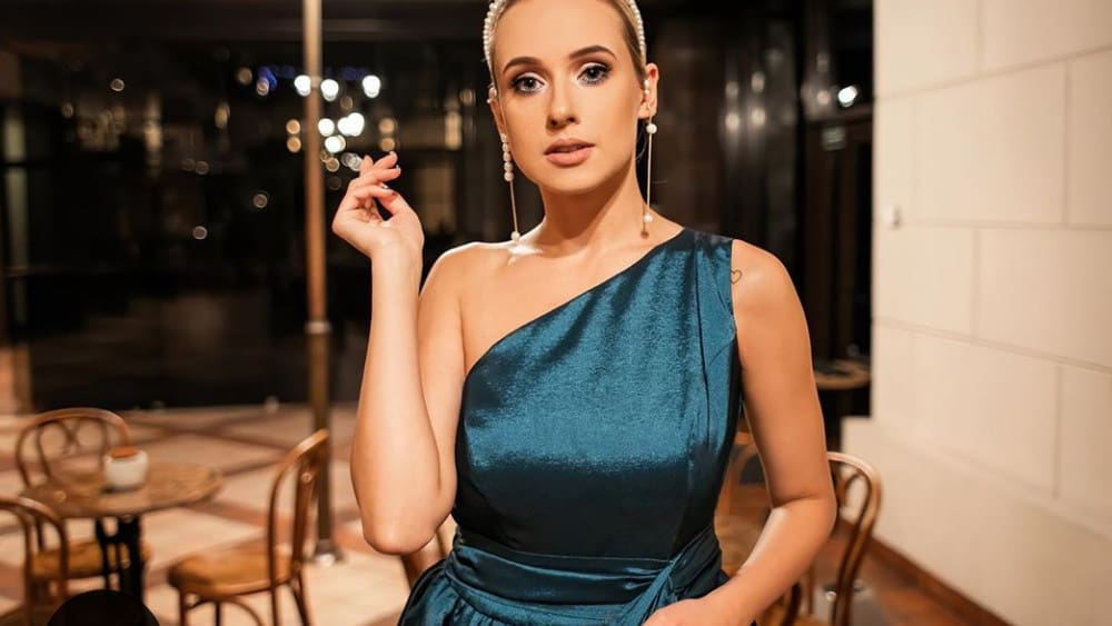 Lithuanian Women: Meeting, Dating, and More (LOTS of Pics) 27