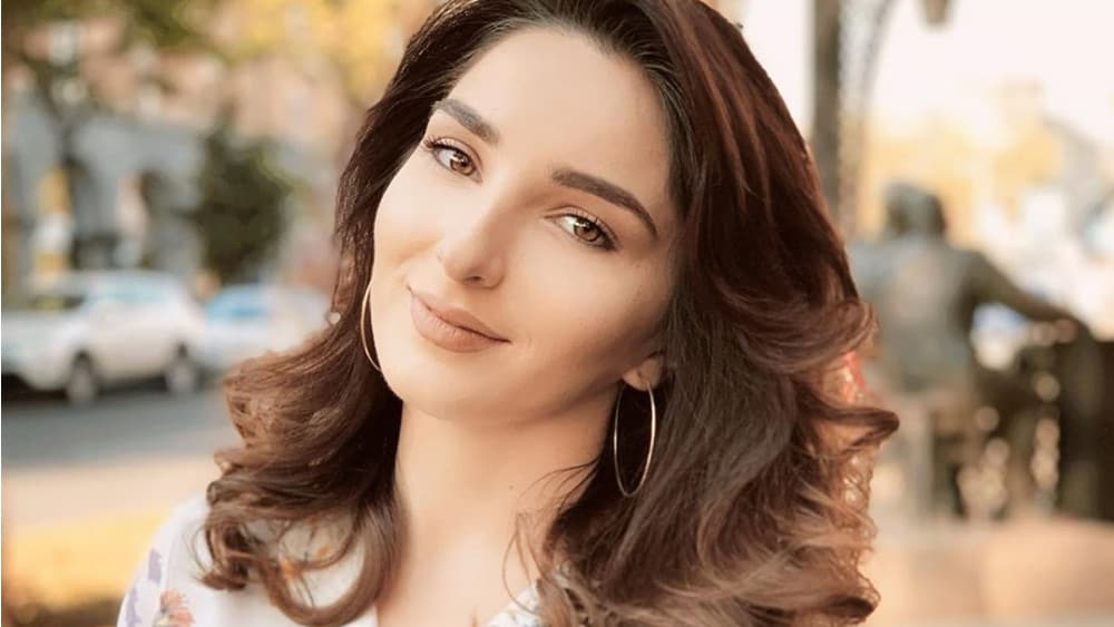 Armenian Women: Meeting, Dating, and More (LOTS of Pics) 24