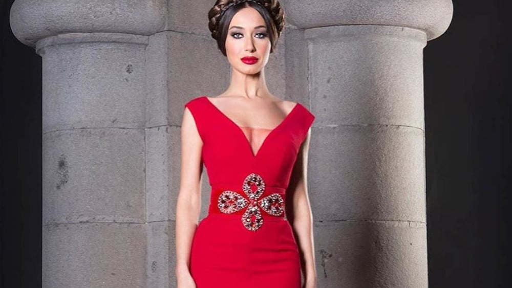 Armenian Women: Meeting, Dating, and More (LOTS of Pics) 39