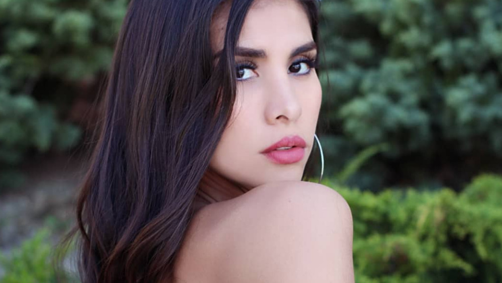 Chilean Women: Meeting, Dating, and More (LOTS of Pics) 17