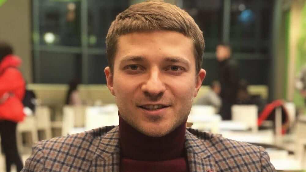 Ukrainian Men- Meeting, Dating, and More (LOTS of Pics) 45