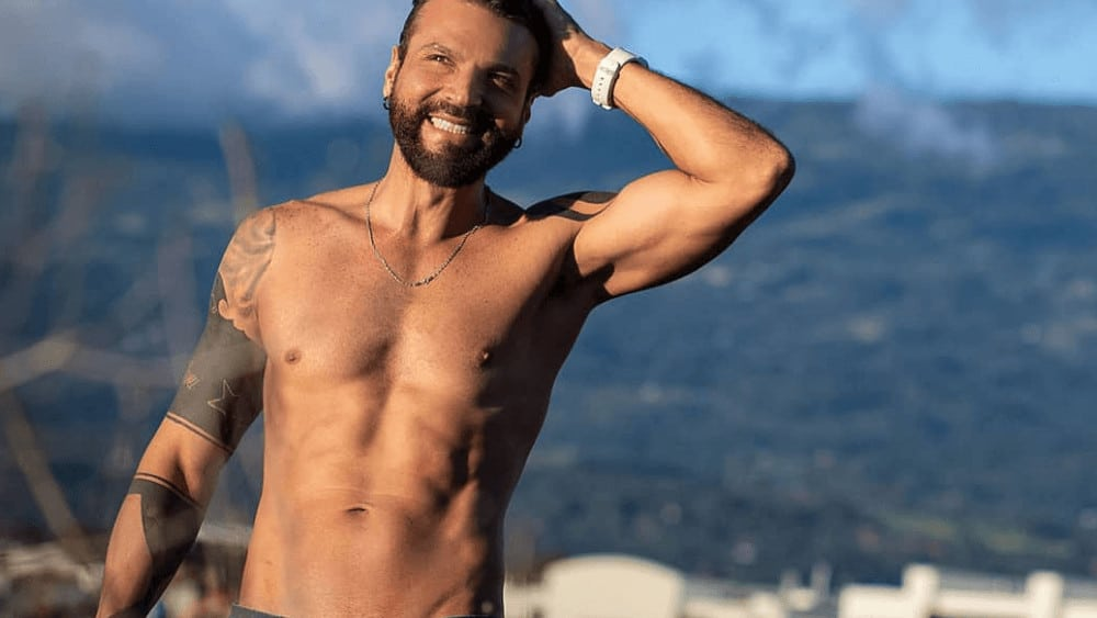 Costa Rican Men- Meeting, Dating, and More (LOTS of Pics) 16