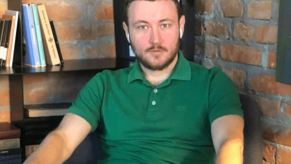 Ukrainian Men- Meeting, Dating, and More (LOTS of Pics) 26