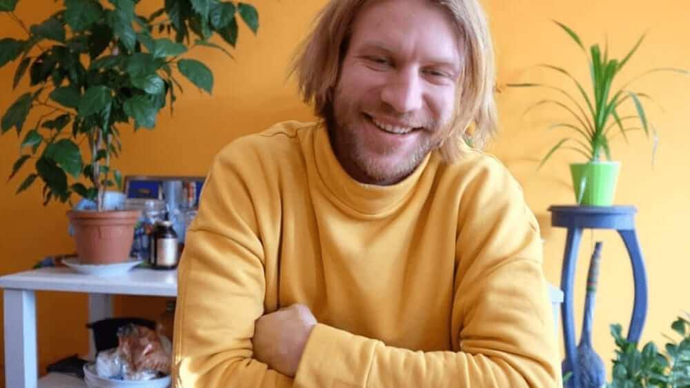 Ukrainian Men- Meeting, Dating, and More (LOTS of Pics) 30