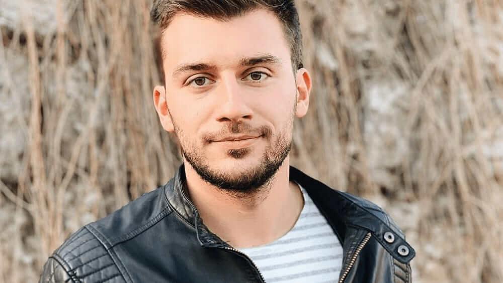 Ukrainian Men- Meeting, Dating, and More (LOTS of Pics) 51