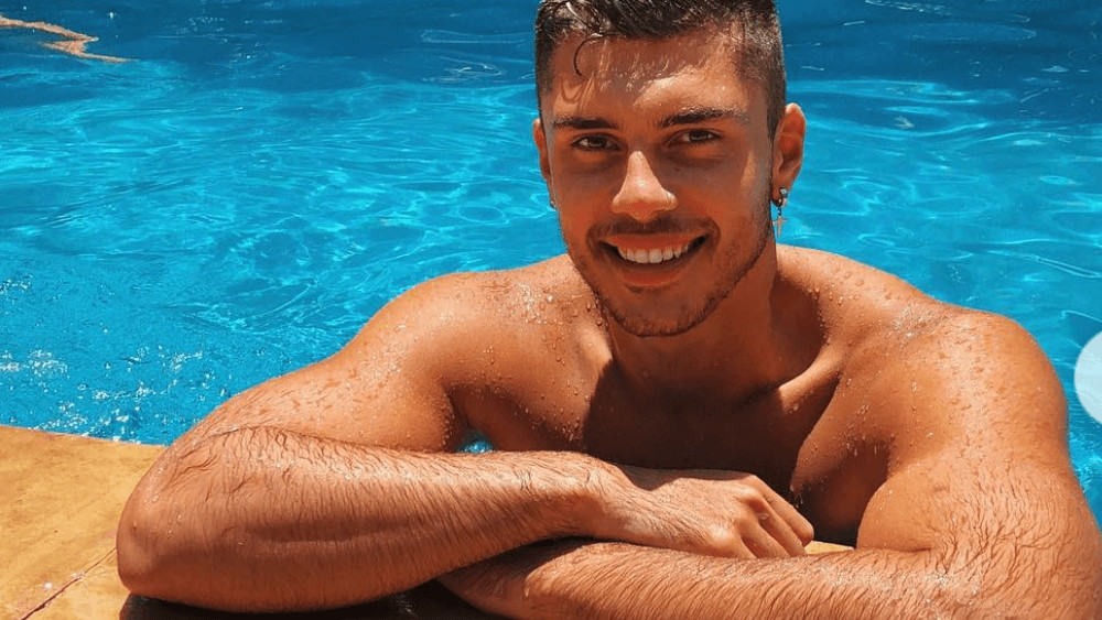 Australian Men – Meeting, Dating, and More (LOTS of Pics) 7