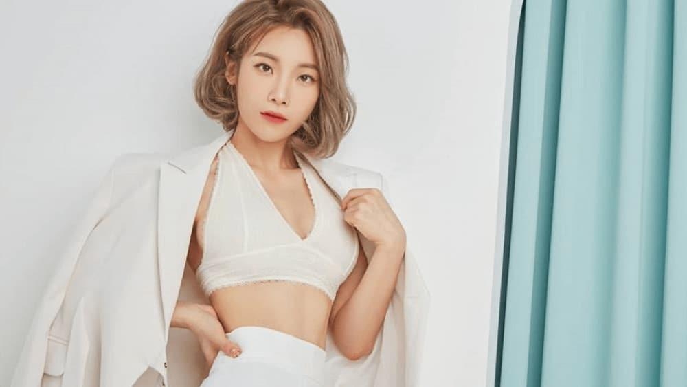 Korean Women – Meeting, Dating, and More (LOTS of Pics) 33