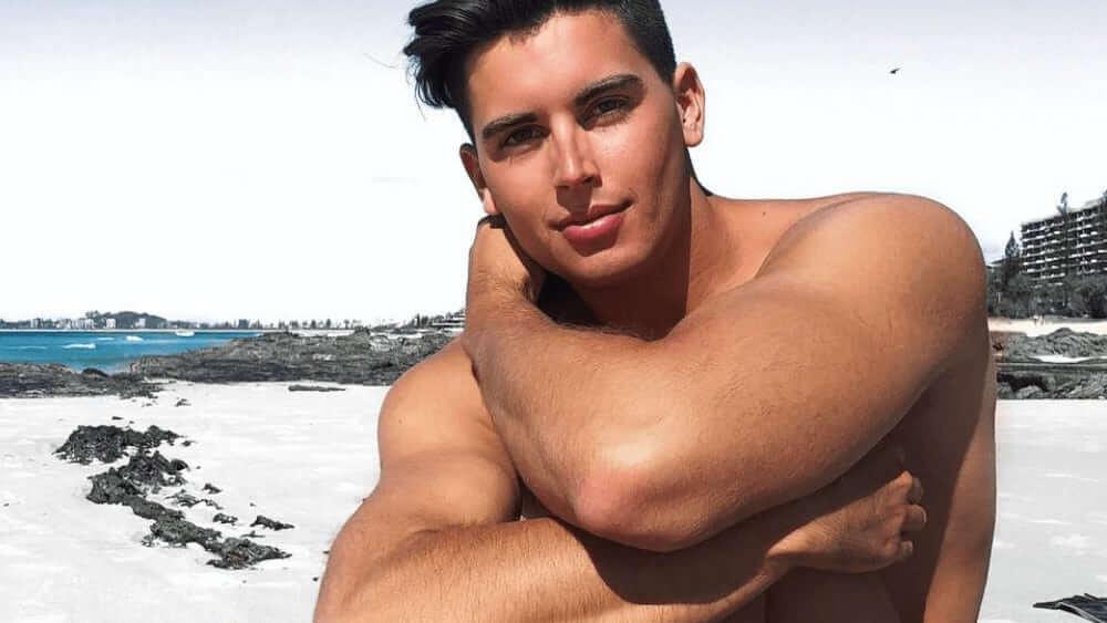 Australian Men – Meeting, Dating, and More (LOTS of Pics) 15