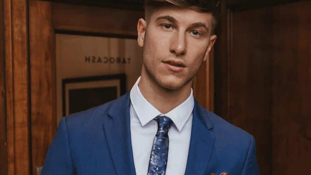Australian Men – Meeting, Dating, and More (LOTS of Pics) 16