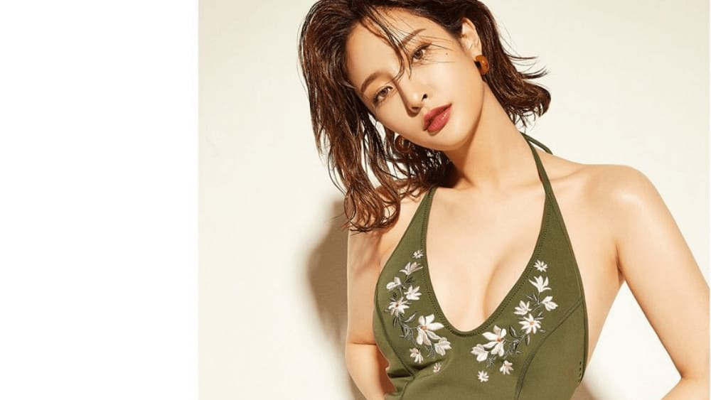 Korean Women – Meeting, Dating, and More (LOTS of Pics) 17