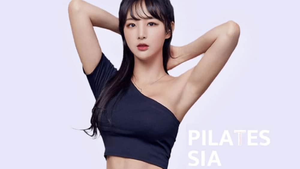 Korean Women – Meeting, Dating, and More (LOTS of Pics) 18