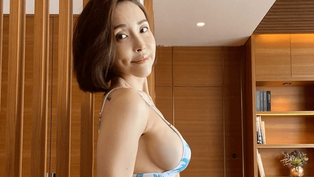 Korean Women – Meeting, Dating, and More (LOTS of Pics) 23