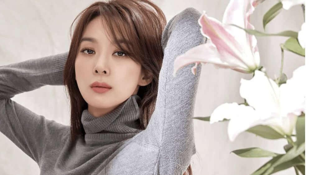 Korean Women – Meeting, Dating, and More (LOTS of Pics) 38