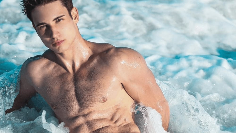 Spanish Men – Meeting, Dating, and More (LOTS of Pics) 1