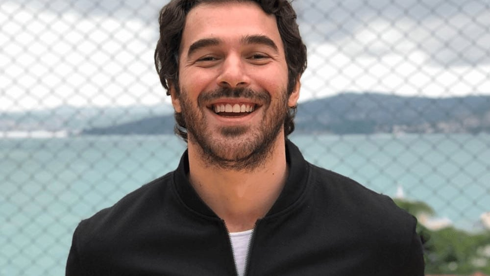 Turkish Men – Meeting, Dating, and More (LOTS of Pics) 15