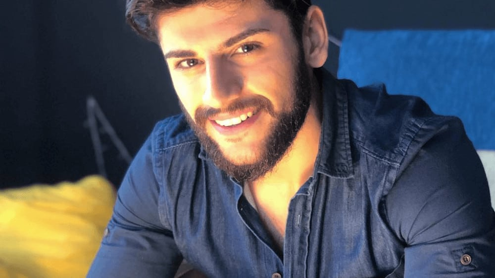 Turkish Men – Meeting, Dating, and More (LOTS of Pics) 41