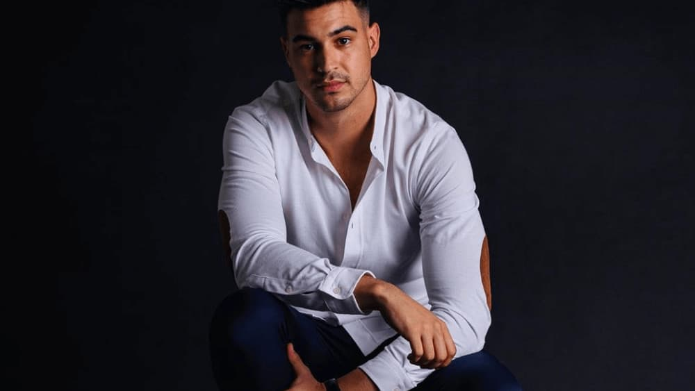 Spanish Men – Meeting, Dating, and More (LOTS of Pics) 55