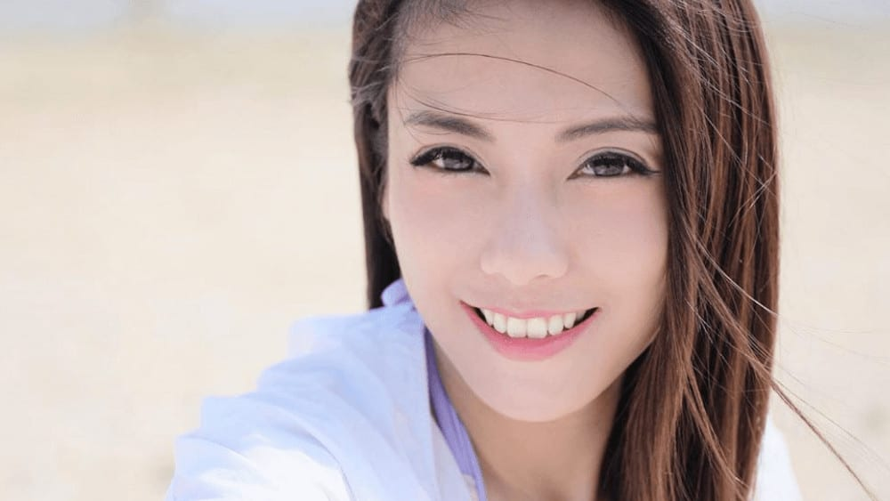 Chinese Women – Meeting, Dating, and More (LOTS of Pics) 16