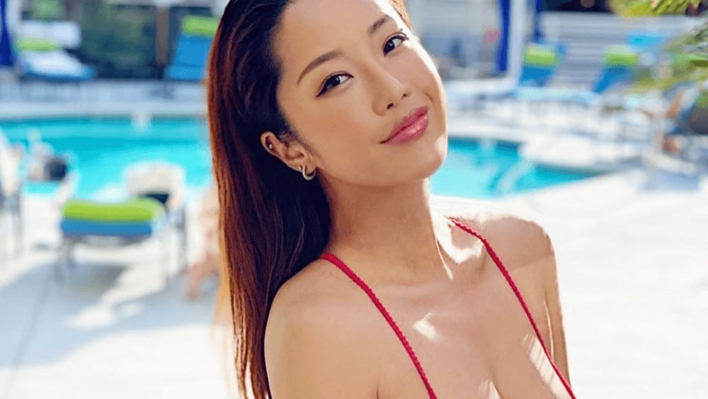 Chinese Women – Meeting, Dating, and More (LOTS of Pics) 22