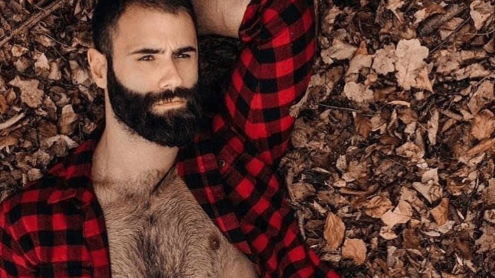 Spanish Men – Meeting, Dating, and More (LOTS of Pics) 11