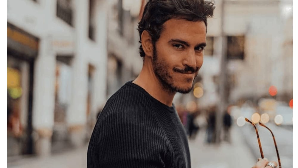 Spanish Men – Meeting, Dating, and More (LOTS of Pics) 20