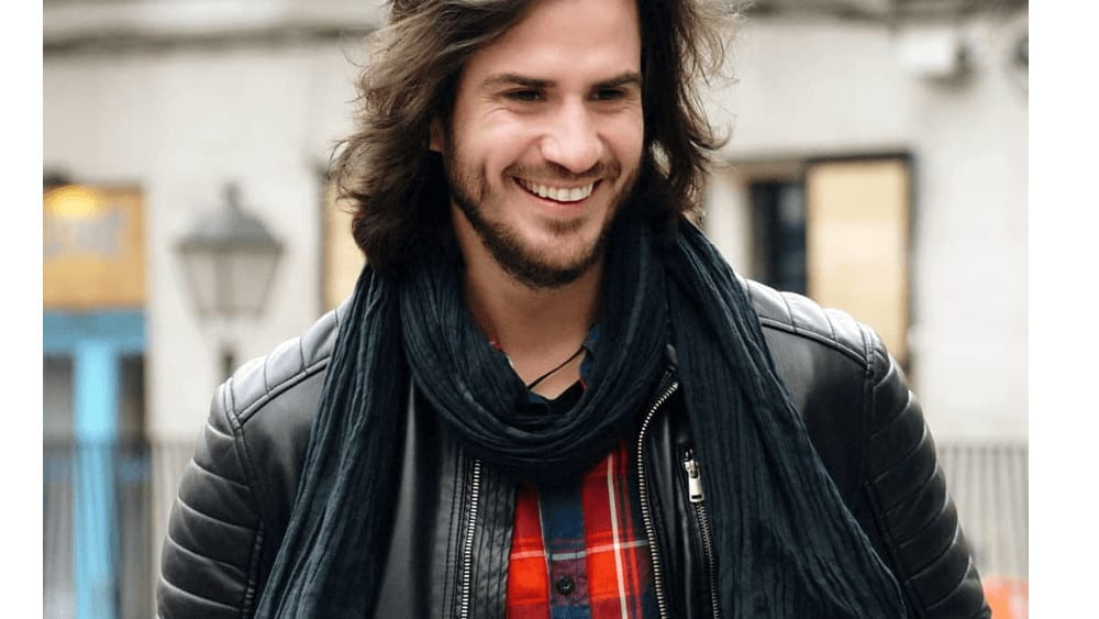 Spanish Men – Meeting, Dating, and More (LOTS of Pics) 5