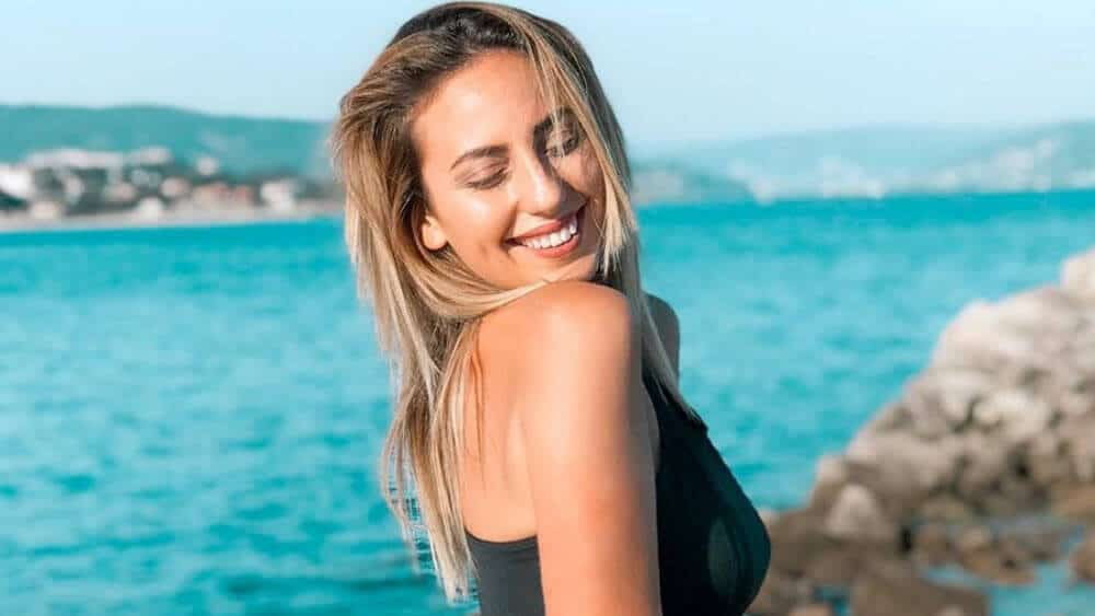 Portuguese Women - Meeting, Dating, and More (LOTS of Pics) 17