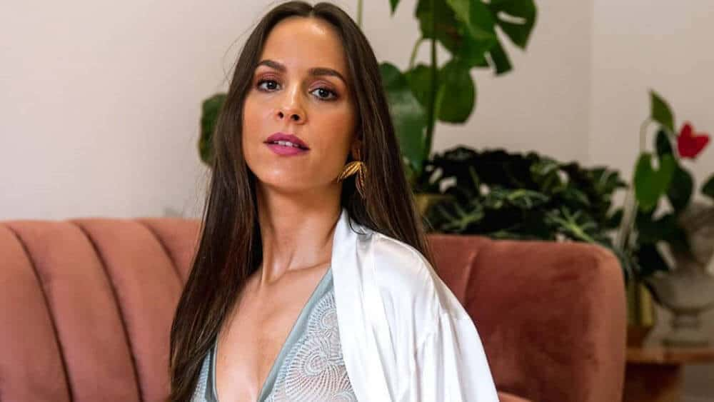 Portuguese Women - Meeting, Dating, and More (LOTS of Pics) 31