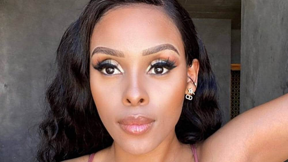 South African Women – Meeting, Dating, and More (LOTS of Pics) 30