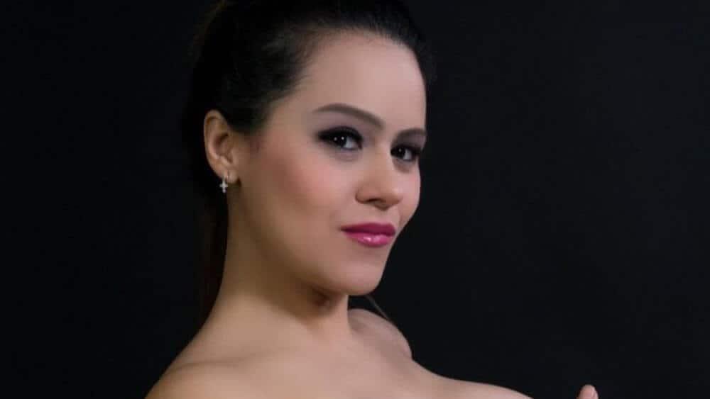 Venezuelan Women - Meeting, Dating, and More (LOTS of Pics) 15