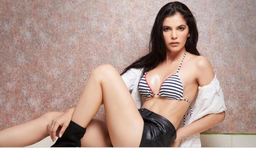 Venezuelan Women - Meeting, Dating, and More (LOTS of Pics) 24